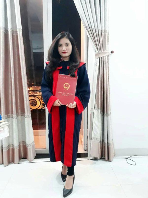 Lễ phục tốt nghiệp cử nhân đại học